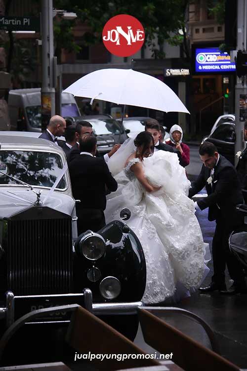Grosir souvenir payung pernikahan di Jogja